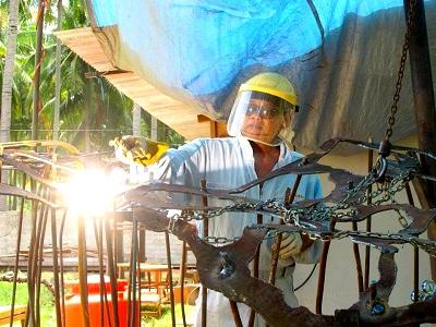 art-ificial-reef-park-lombok-Teguh-Ostenrik-welding