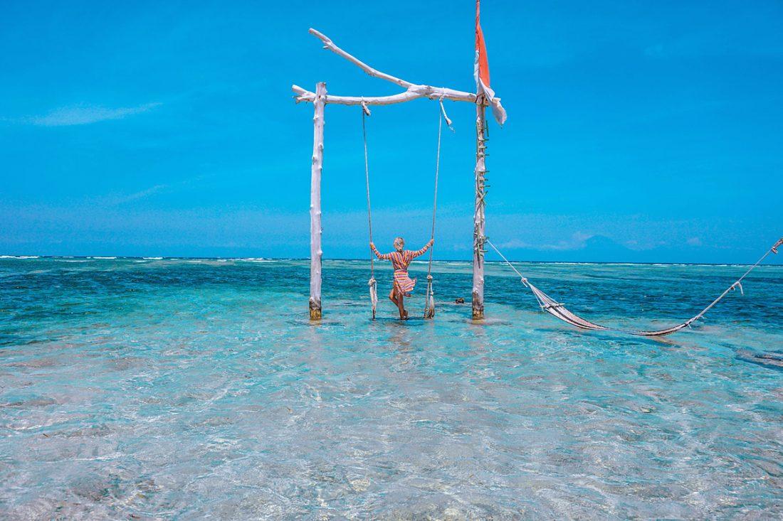 swinging-on-the-beach-gili-trawangan