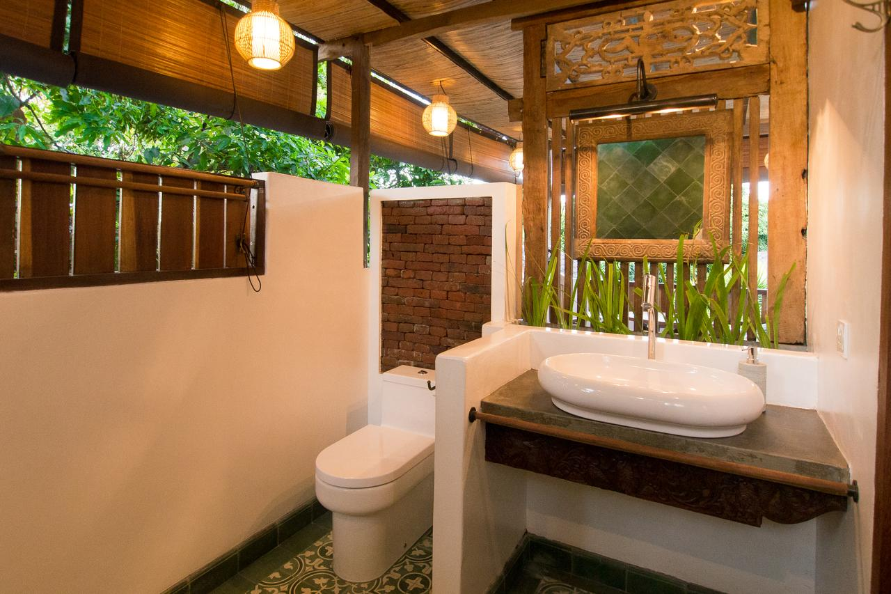 Mandana Suites and Villa bathroom and tiles_