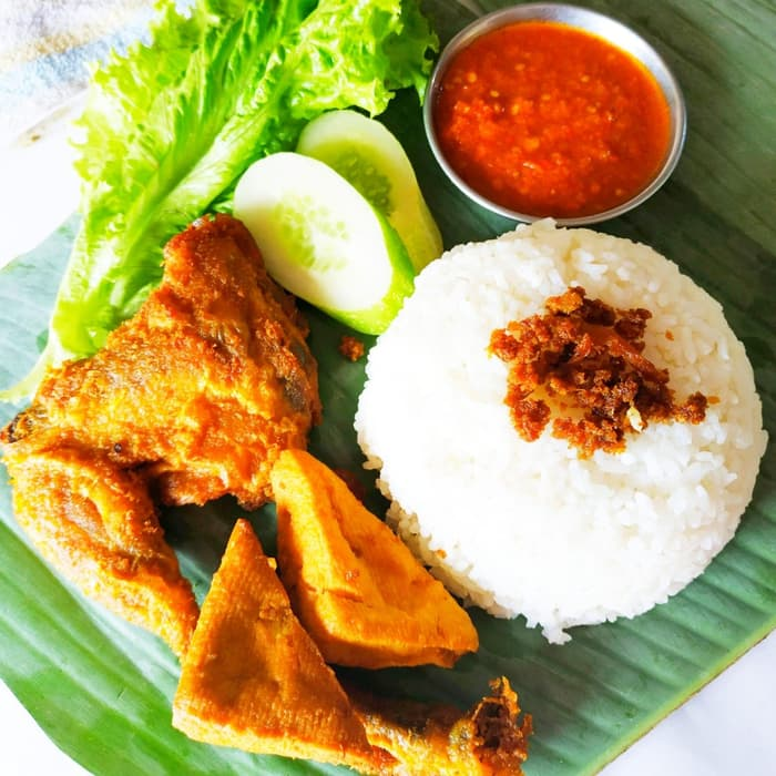 Best Lalapan Ayam On The Gili Islands
