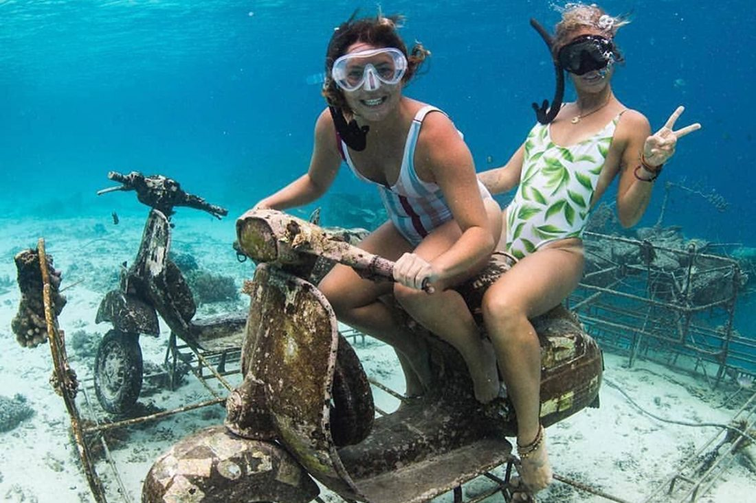 Vespa Underwater Gili Islands