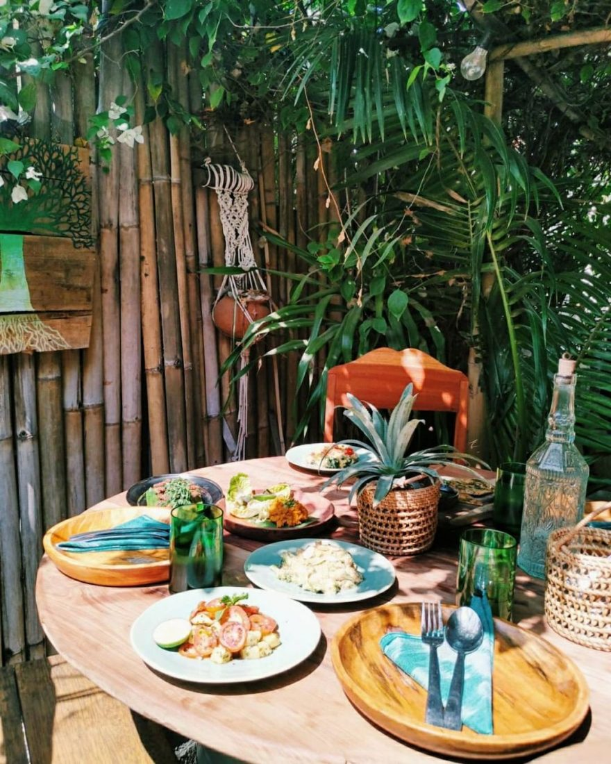 Pituq Waroeng on Gili Trawangan has some delicious vegan food in a jungle style setting.
